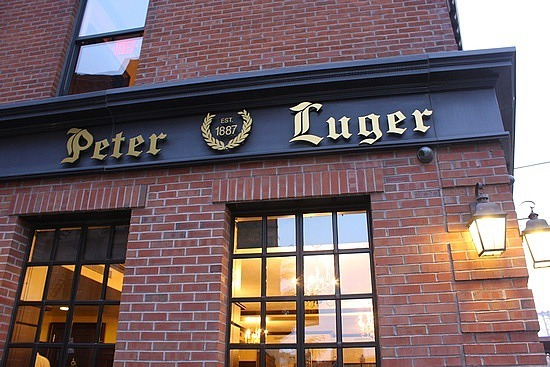 1.1264117012.front-of-peter-luger-steakhouse