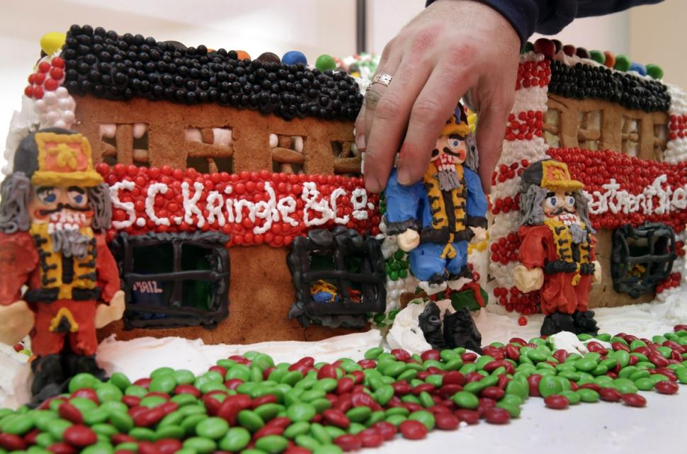 gingerbread-lane (2)