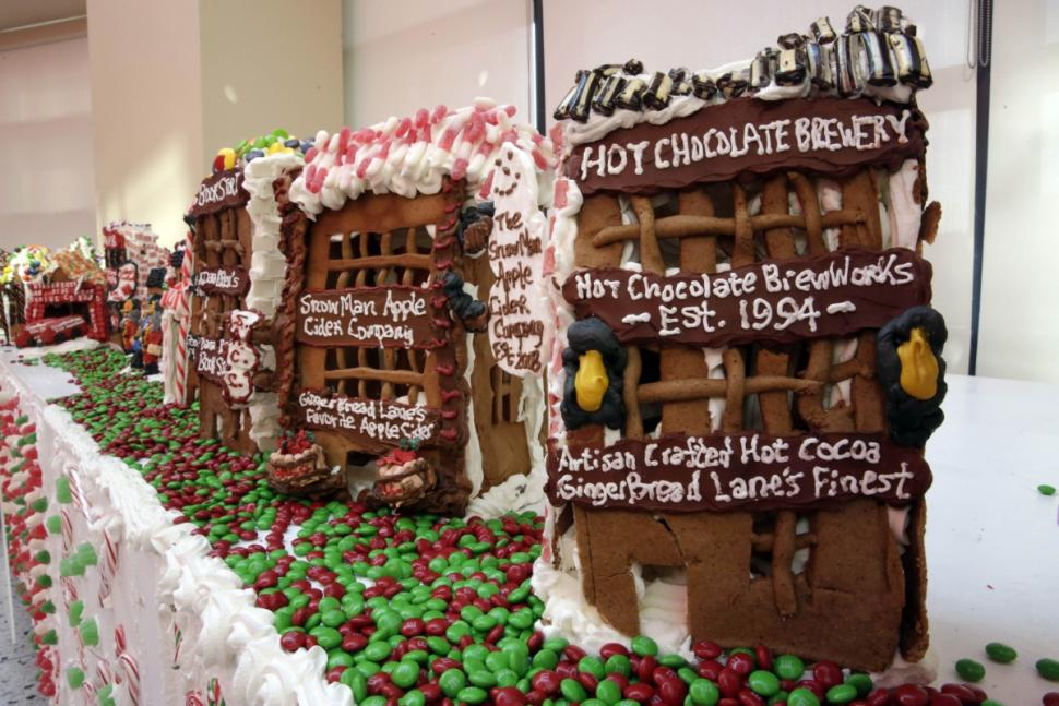gingerbread-lane (3)
