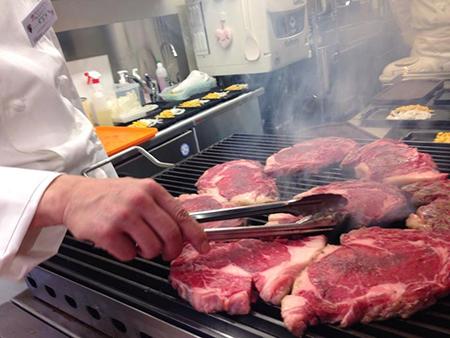 Ikinari_Steak_Grilling_Steak